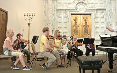 Chamber Orchestra Kremlin with pianist James Dick Outreach Events